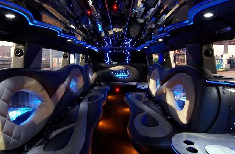 Luxury Party Hummer in Prague