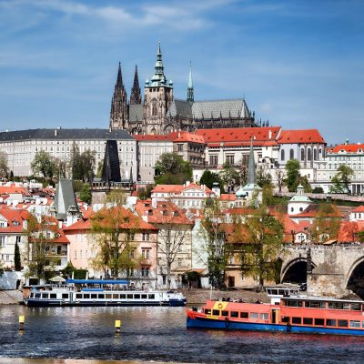 Prague Cruise with Lunch and Tour