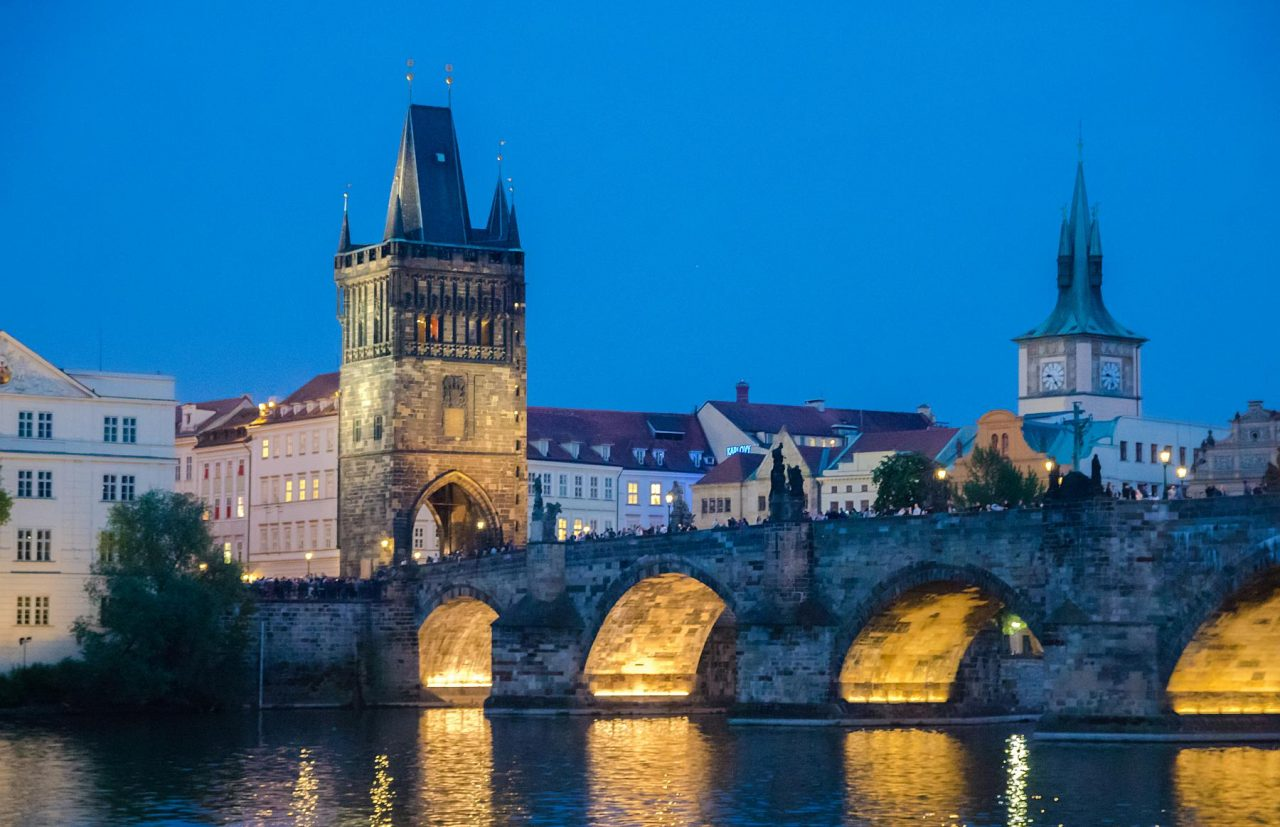 Prague Boat Cruise with Dinner