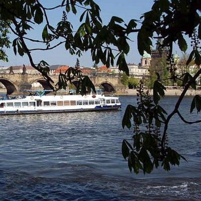 Hen Strip Boat in Prague