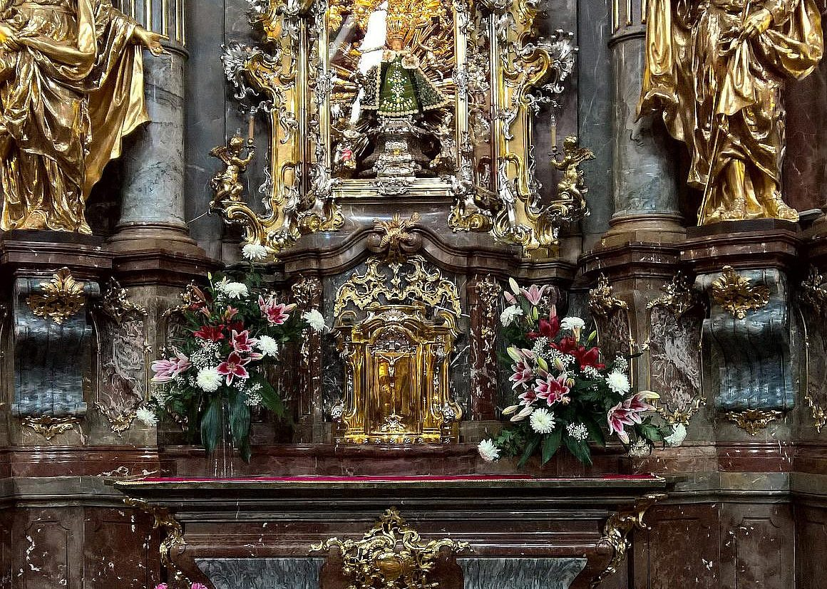 Infant Jesus Of Prague Tour