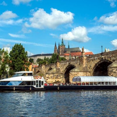 Prague Boat Cruise with Lunch